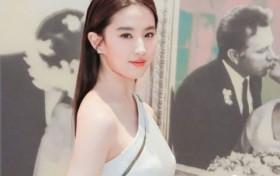 """除了刘亦菲,还有哪些明星的脸越来越像""""嫩牛五方""""?"""