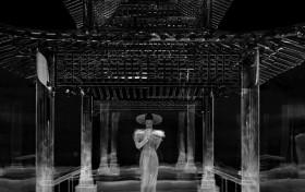 赵丽颖科幻武侠大片 流动长裙等元素的设计更显神秘