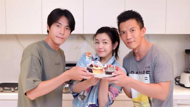 陈妍希做蛋糕送小情人险从七夕变万圣节