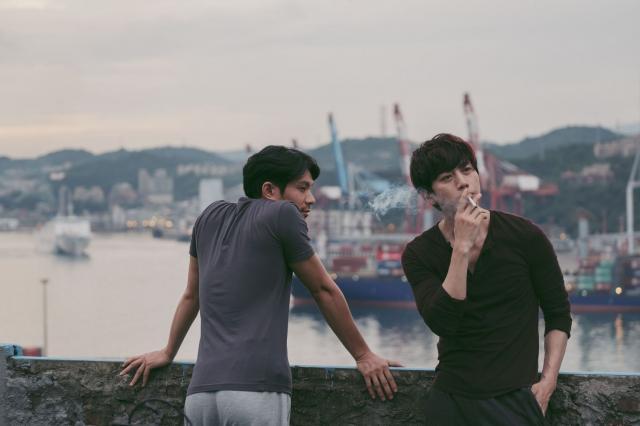 莫子仪与姚淳耀在《亲爱的房客》中有一段情